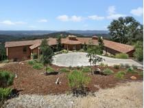Casa para uma família for sales at 704 Shiloh Terrace    Santa Rosa, Califórnia 95403 Estados Unidos