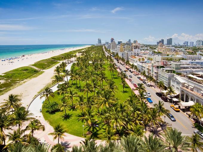 Condominio for sales at Il Villaggio 1203 1455 Ocean Drive #1203   Miami Beach, Florida 33139 Stati Uniti
