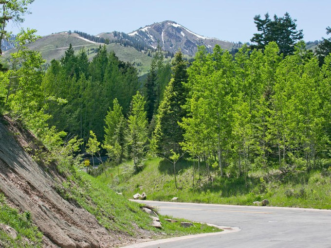 Land for sales at Build in prestigious Bald Eagle Neighborhood 7871 Red Tail Ct Lot 19   Park City, Utah 84060 United States