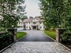 Casa para uma família for  sales at 2007 Stone & Clapboard Custom Colonial 21 Richmond Hill Road   Weston, Connecticut 06883 Estados Unidos