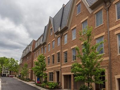 단독 가정 주택 for sales at Palisades 1405 Ridgeview Way Nw Washington, 컬럼비아주 20007 미국