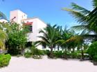 Moradia for sales at PUERTO MORELOS BEACHFRONT HOUSE   Puerto Morelos, Quintana Roo 77580 México