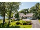 Casa para uma família for  sales at 90 Shoreview Drive  Yarmouth, Maine 04096 Estados Unidos