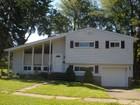 獨棟家庭住宅 for sales at 305 Sunnybank Avenue  Stratford, 康涅狄格州 06614 美國