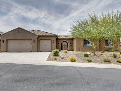 Einfamilienhaus for sales at Stunning Single-level Home In The Prestigious Fireside At Norterra Community 27819 N 15th Lane Phoenix, Arizona 85085 Vereinigte Staaten