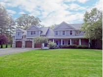 Villa for sales at Fine Craftsmanship in Builder's Own Custom Built 2008 Colonial 62 Blue Spruce Circle   Weston, Connecticut 06883 Stati Uniti