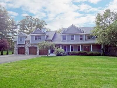 Villa for sales at Fine Craftsmanship in Builder's Own Custom Built 2008 Colonial 62 Blue Spruce Circle  Weston, Connecticut 06883 Stati Uniti