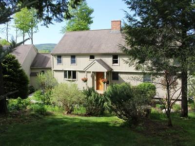Villa for sales at Post & Beam Yankee Barn Home 64 Surrey Lane New London, New Hampshire 03257 Stati Uniti