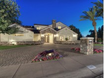 Casa Unifamiliar for sales at Expanded And Fully Remodeled North Central Family Style Residence 229 W Vista Ave   Phoenix, Arizona 85021 Estados Unidos