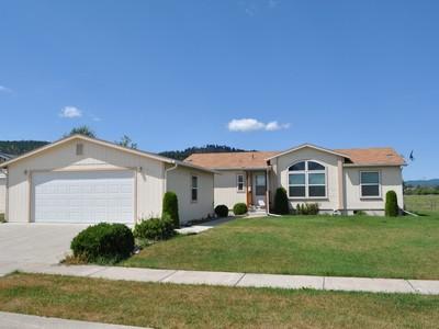 獨棟家庭住宅 for sales at Wonderfully Kept Manufactured Home 1814 N Belmar Drive Kalispell, 蒙大拿州 59901 美國
