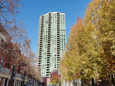 共管式独立产权公寓 for sales at Kinzie Park Tower 501 N. Clinton Street Unit #3301 Chicago, 伊利诺斯州 60654 美国