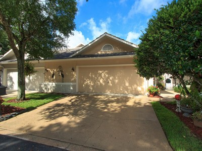Townhouse for sales at Lake Mary, Florida 462 Devon Place  Lake Mary, Florida 32746 United States