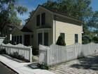 Casa para uma família for  open-houses at Masterfully Renovated 17 South Main Street Essex, Connecticut 06426 Estados Unidos
