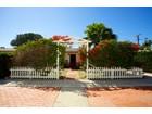 Maison unifamiliale for  sales at 221 N. Acacia Avenue  Solana Beach, Californie 92075 États-Unis