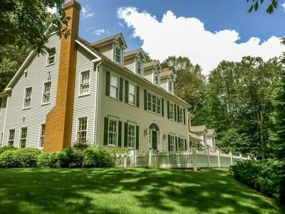 独户住宅 for sales at Enjoy Every Indulgence 152 Cheesespring Road Wilton, 康涅狄格州 06897 美国