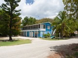 Condomínio for sales at Investment triplex, Heritage Beach Tangelo Ln East End, Grand Cayman KY1 Ilhas Cayman
