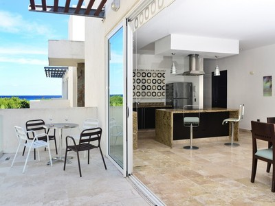 Single Family Home for sales at EXQUISITE DOWNTOWN PENTHOUSE EXQUISITE DOWNTOWN PENTHOUSE Avenida Cozumel Playa Del Carmen, Quintana Roo 77710 Mexico