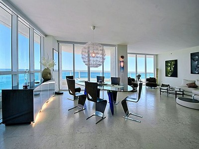 Copropriété for sales at Las Olas Beach Club 101 S. Ft. Lauderdale Beach Blvd. #2105  Fort Lauderdale, Florida 33316 États-Unis