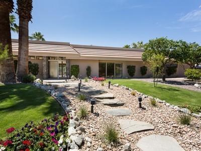 Nhà ở một gia đình for sales at Palm Desert 74043 Old Prospector Palm Desert, California 92260 Hoa Kỳ