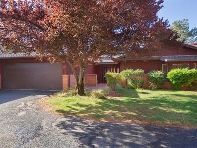 Casa Unifamiliar Adosada for sales at Delightful Sedona Townhome 55 Cathedral Rock Drive 42 Sedona, Arizona 86351 Estados Unidos