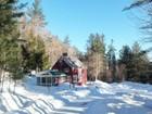Maison unifamiliale for  sales at Antique post and beam barn 5436 Route 100 Wardsboro, Vermont 05355 États-Unis