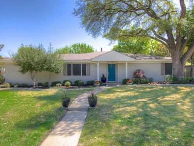 獨棟家庭住宅 for sales at 3533 Park Ridge Blvd  Fort Worth, 德克薩斯州 76109 美國