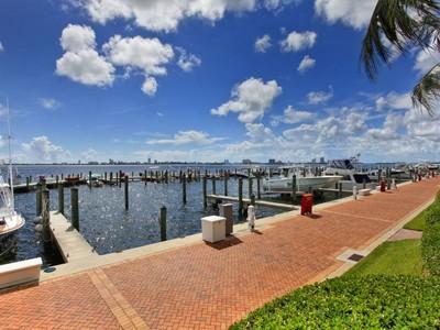 联栋屋 for sales at 5006 NE Quayside Te Unit 54 5006 NE Quayside Te #54  Miami, 佛罗里达州 33138 美国