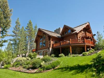 Частный односемейный дом for sales at Crescent H Cabin in the Woods 850 Wapiti West Bank South, Вайоминг 83014 Соединенные Штаты
