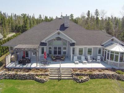 Moradia for sales at 560 Scotts Bay Drive  Indian River, Michigan 49749 Estados Unidos