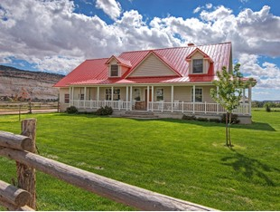 Fattoria / ranch / campagna for sales at One-of-a-kind Ranch Bordering Grand Staircase National Monument 2405 Lower Boulder Rd Boulder, Utah 84716 Stati Uniti
