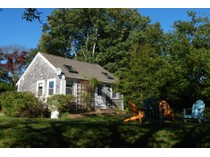 Einfamilienhaus for sales at Private East End Cottage 282 Bradford Street   Provincetown, Massachusetts 02657 Vereinigte Staaten