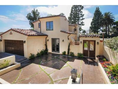 Maison unifamiliale for sales at 1613 Via Garfias  Palos Verdes Estates, Californie 90274 États-Unis