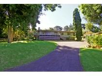 Maison unifamiliale for sales at Desirable Kula Home & Cottage 15 Oluolu Place   Kula, Hawaii 96790 États-Unis