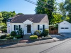 独户住宅 for  sales at Picture Perfect Cape 6 Westvale Road Medford, 马萨诸塞州 02155 美国
