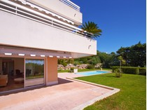 Apartment for sales at Apartment with garden and private pool  Cannes, Provence-Alpes-Cote D'Azur 06400 France