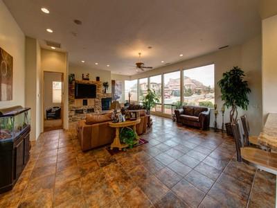 Einfamilienhaus for sales at Spacious Single Level Home 5 La Cuerda Sedona, Arizona 86351 Vereinigte Staaten