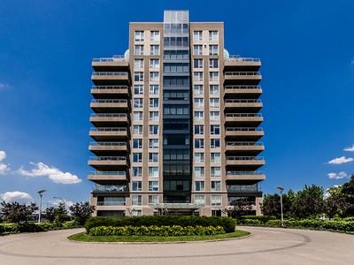 Condomínio for sales at Montréal   Cité du Havre 2380 Av. Pierre-Dupuy, apt. 104 Montreal, Quebec H3C6N3 Canadá