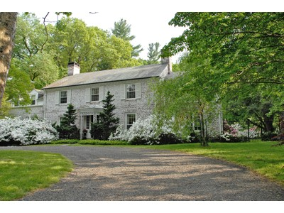 Maison unifamiliale for sales at All The Hallmarks Of A Princeton Classic 92 Edgerstoune Road  Princeton, New Jersey 08540 États-Unis