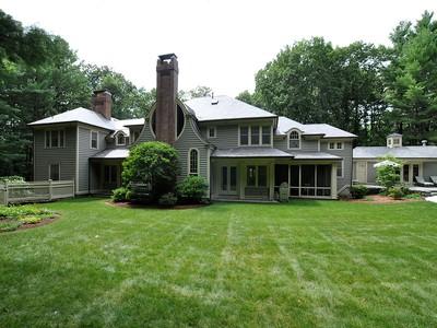Nhà ở một gia đình for sales at 52 Goodnow Road   Sudbury, Massachusetts 01776 Hoa Kỳ