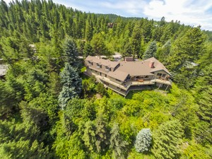 Additional photo for property listing at Impeccably Furnished Home with Amazing Views 1830 Four Wheel Drive Whitefish, Монтана 59937 Соединенные Штаты