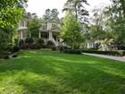 Casa para uma família for  rentals at Buckhead, Garden Hills 2626 Parkside Drive NE Atlanta, Geórgia 30305 Estados Unidos