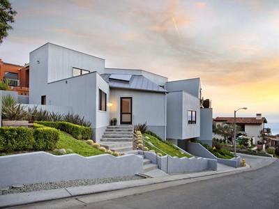 Einfamilienhaus for sales at Laguna Beach 988 Acapulco Street  Laguna Beach, Kalifornien 92651 Vereinigte Staaten