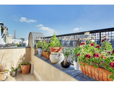 Apartamento for sales at Apartment - Auteuil - Eiffel Tower view   Paris, Paris 75016 Francia