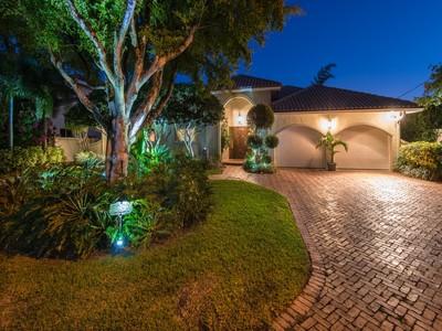 Nhà ở một gia đình for sales at 3090 NE 47 St.  Fort Lauderdale, Florida 33308 Hoa Kỳ