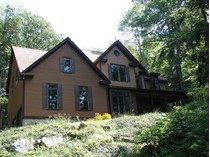 Moradia for sales at Woodridge Lake Custom Built Home 139 East Hyerdale Drive   Goshen, Connecticut 06756 Estados Unidos