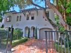 Maison de ville for sales at Coco Breeze Condo 3060 Blaine Street Coconut Grove, Florida 33133 États-Unis