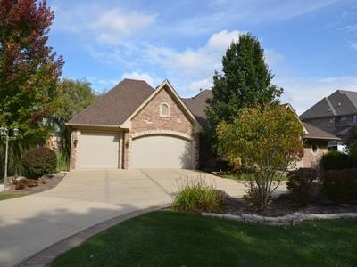 Nhà ở một gia đình for sales at Custom Ranch Home 14301 W 131st Street  Lemont, Illinois 60439 Hoa Kỳ