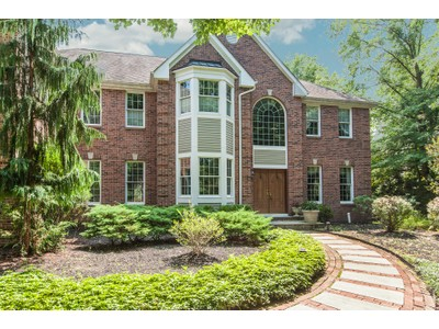 Vivienda unifamiliar for sales at Let Everyone Relax In Their Very Own Space - Lawrence Township 19 Benedek Road Princeton, New Jersey 08540 United States