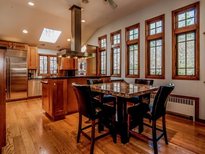 Nhà ở một gia đình for sales at Beautiful Updated Home 1 Fairview Drive  Westport, Connecticut 06880 Hoa Kỳ