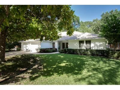 獨棟家庭住宅 for sales at 3225 Sweetbriar Lane  Fort Worth, 德克薩斯州 76109 美國